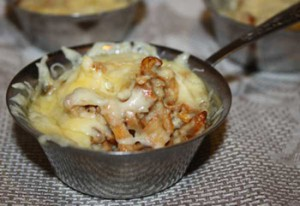 Жульен в горшочке с курицей и грибами рецепт с фото пошагово и видео - 1000.menu
