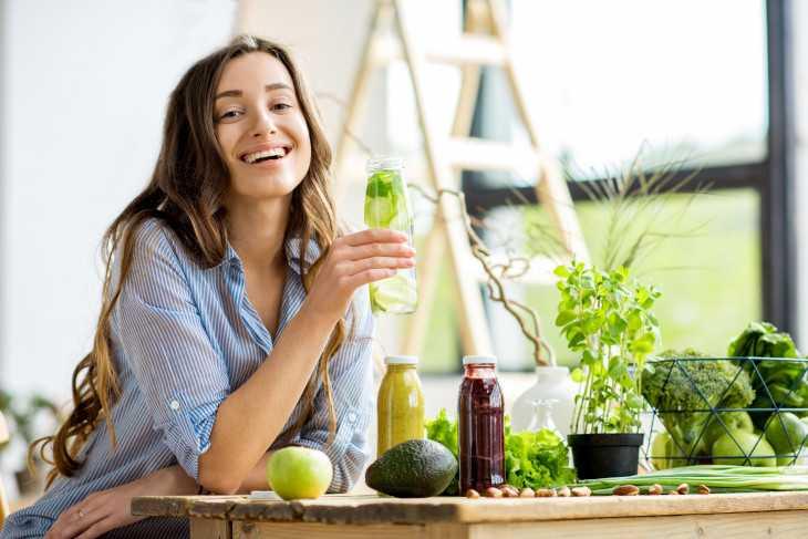 Диетолог рассказала, как правильно пить воду, чтобы похудеть   новости