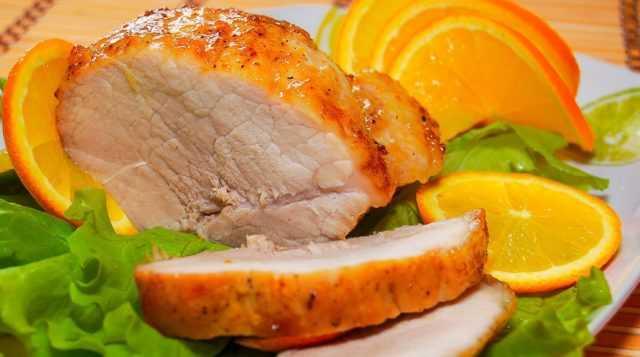 Запеченная свинина с апельсинами в духовке
