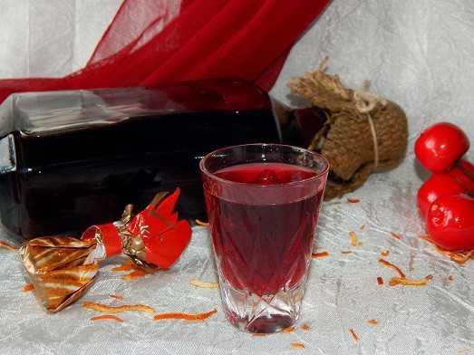 Домашнее вино из вишни без косточки: пять лучших пошаговых рецептов с фото и видео. Советы по приготовлению. Сроки и условия хранения.