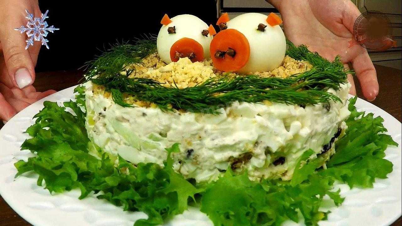 Салат с курицей и грибами - 12 вкусных рецептов приготовления