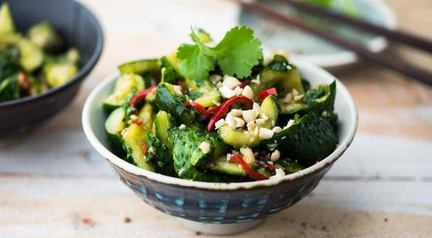 Салат из огурцов по-китайски — битые огурцы