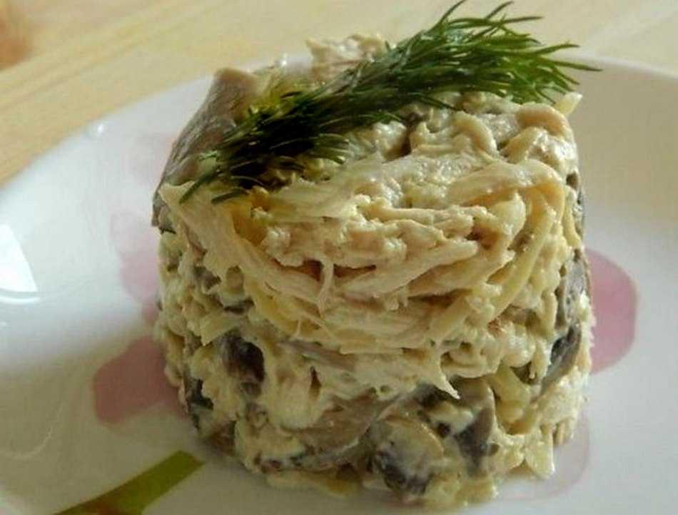 Салат «сказка» с курицей и шампиньонами: рецепты