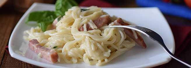 Паста в сливочном соусе – 12 лучших рецептов