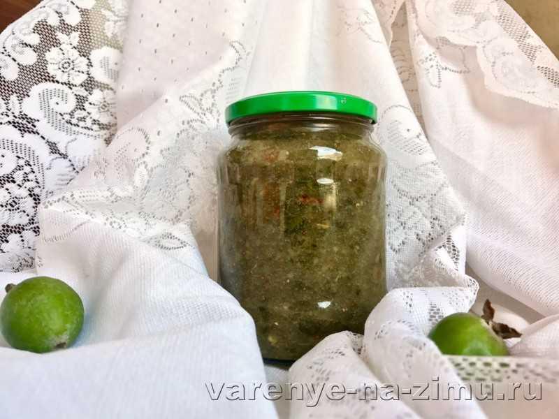 Фейхоа с медом и грецкими орехами - 7 пошаговых фото в рецепте