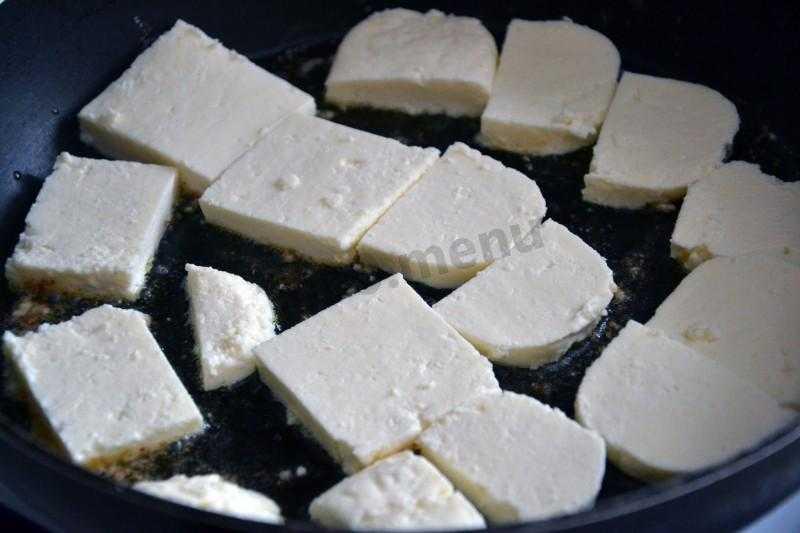 Салат из баклажанов с помидорами и адыгейским сыром: рецепт с фото пошагово
