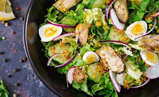 Салат из авокадо, креветок и огурцов: рецепт   infoeda.com