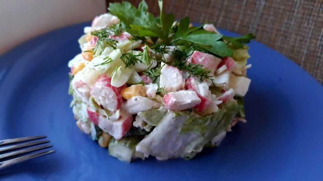 Салат с пекинской капустой и кукурузой - простое и легкое блюдо: рецепт с фото и видео