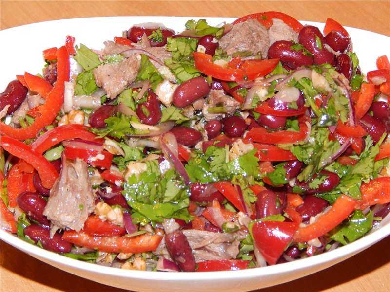 Праздничный салат «тбилиси»: ингредиенты и пошаговый классический рецепт с красной фасолью и говядиной. как вкусно приготовить салат «тбилиси» с куриной грудкой, мясом, языком, копченой курицей, майон