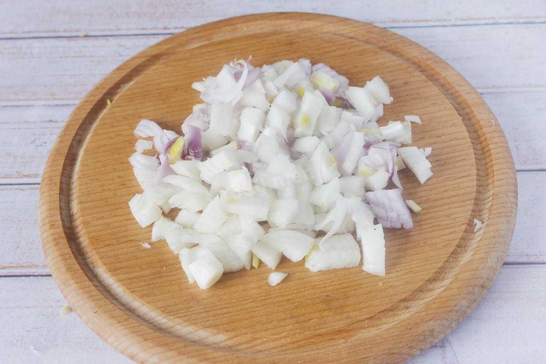 Салат тиффани с курицей и виноградом: классический пошаговый рецепт с фото. как приготовить салат тиффани с грибами, мясом, кедровыми и грецкими орехами, ананасом и черносливом: слои
