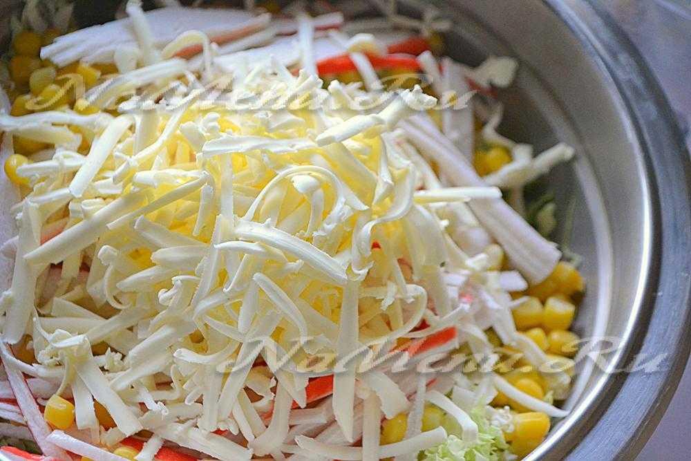 Рецепт легкого салата с пекинской капустой и кукурузой   меню недели