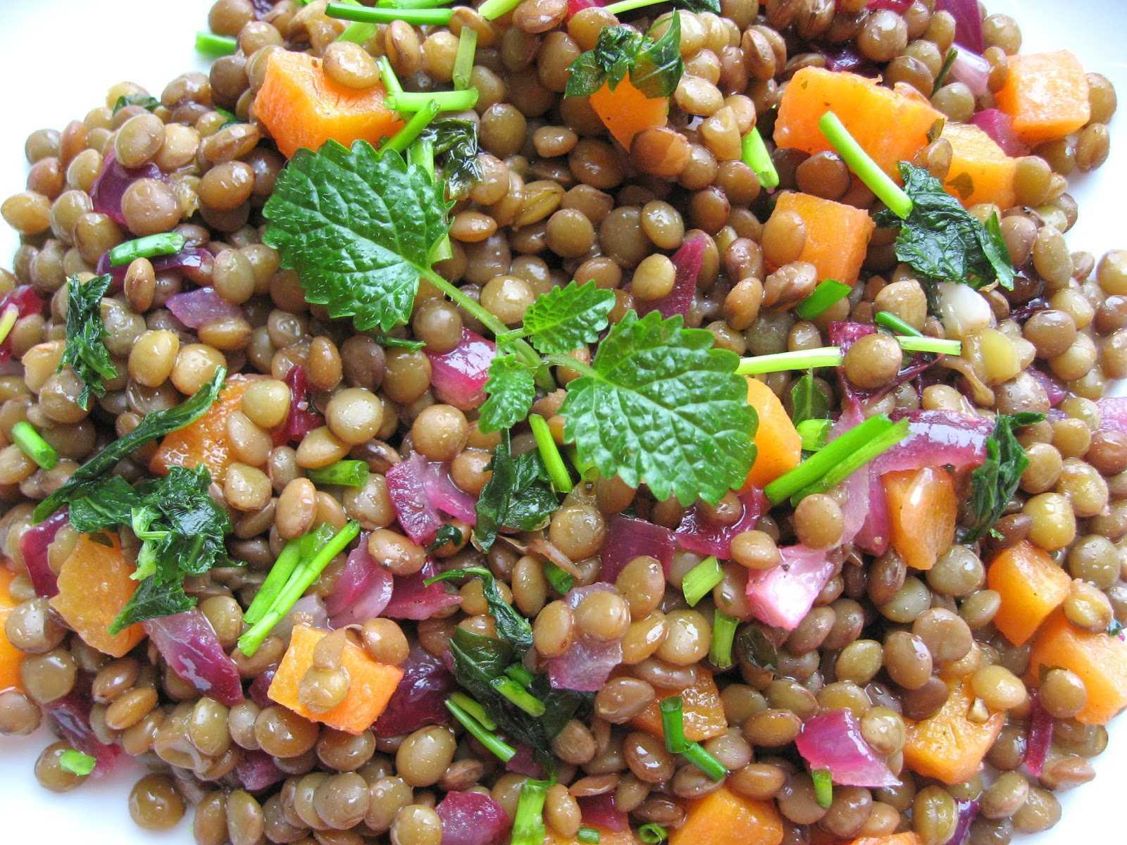 Готовим салат из черной чечевицы с зеленью: поиск по ингредиентам, советы, отзывы, пошаговые фото, подсчет калорий, удобная печать, изменение порций, похожие рецепты