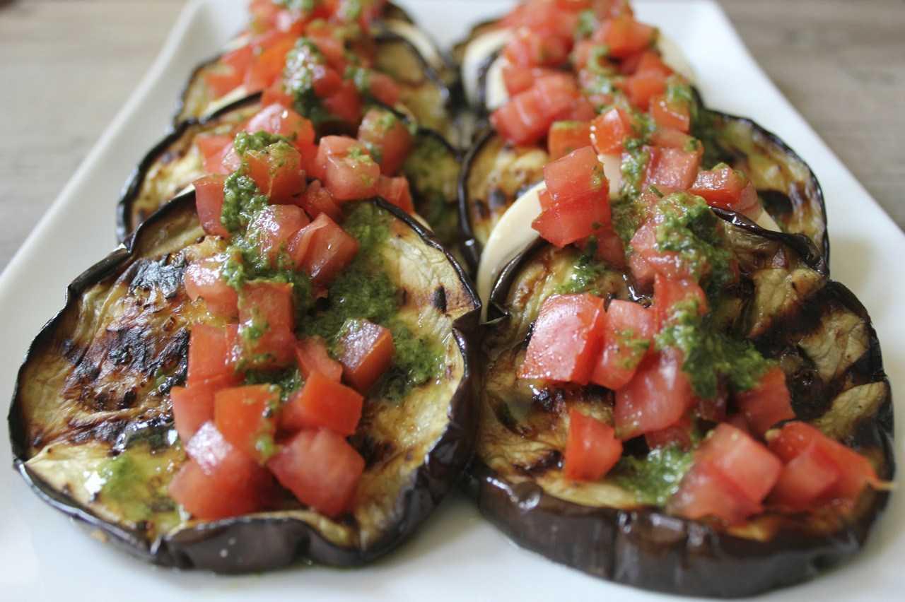 Готовим быстро и просто салат из баклажанов и помидоров с моцареллой: поиск по ингредиентам, советы, отзывы, пошаговые фото, подсчет калорий, удобная печать, изменение порций, похожие рецепты