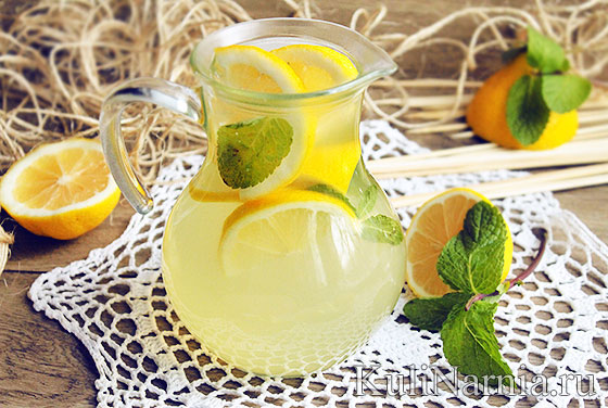 Описание рецептов изготовления в домашних условиях лимонада из лимона: с варкой, с настаиванием, с добавлением апельсина, облепихи, малины, мяты, тимьяна, меда.
