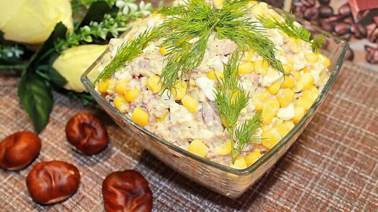 Рыбный салат сайра сыр чеснок рецепт с фото пошагово - 1000.menu