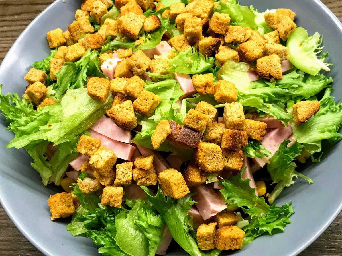 Салат с мясом криля и брынзой рецепт с фото - 1000.menu