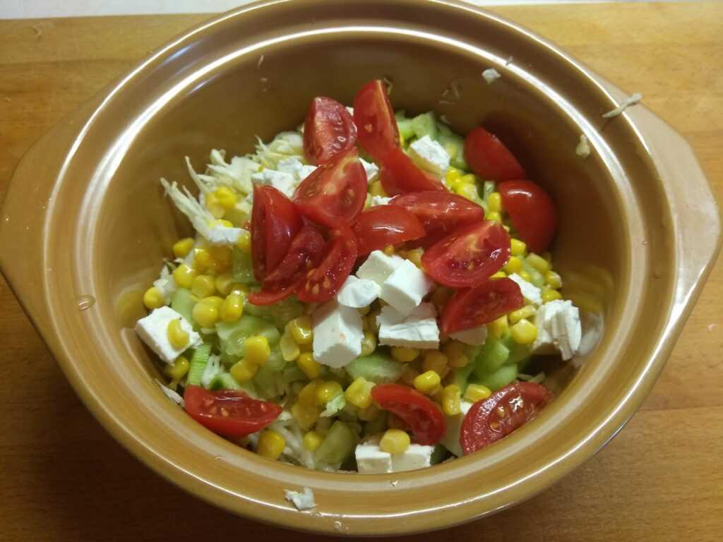 Новые летние салаты и закуски — 6 рецептов приготовления с фото