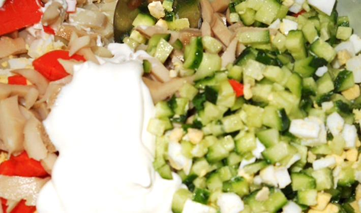 Салат с курицей и солеными рыжиками «рыжик»