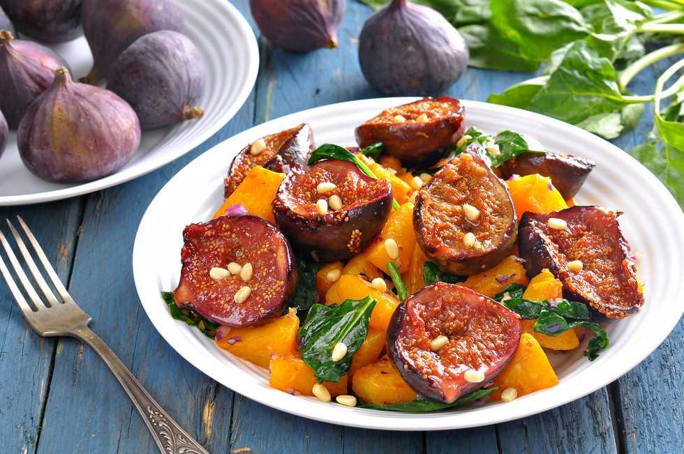 Здесь вы узнаете, как лучше всего приготовить блюдо Салат с инжиром  состав, похожие салаты, порядок приготовления, комментарии, советы, пошаговые фото