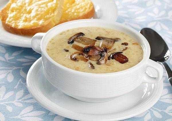 Суп грибной из замороженных грибов с перловкой