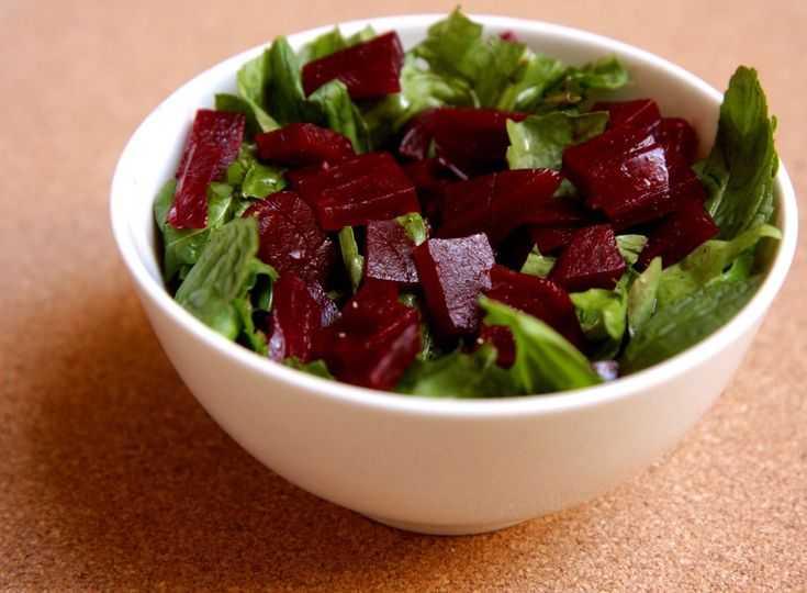 Салаты из сырой свеклы: 9 диетических рецептов для похудения