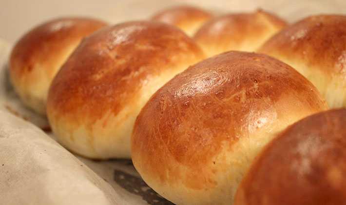Пирожки с солеными груздями ( или любыми солеными грибами)