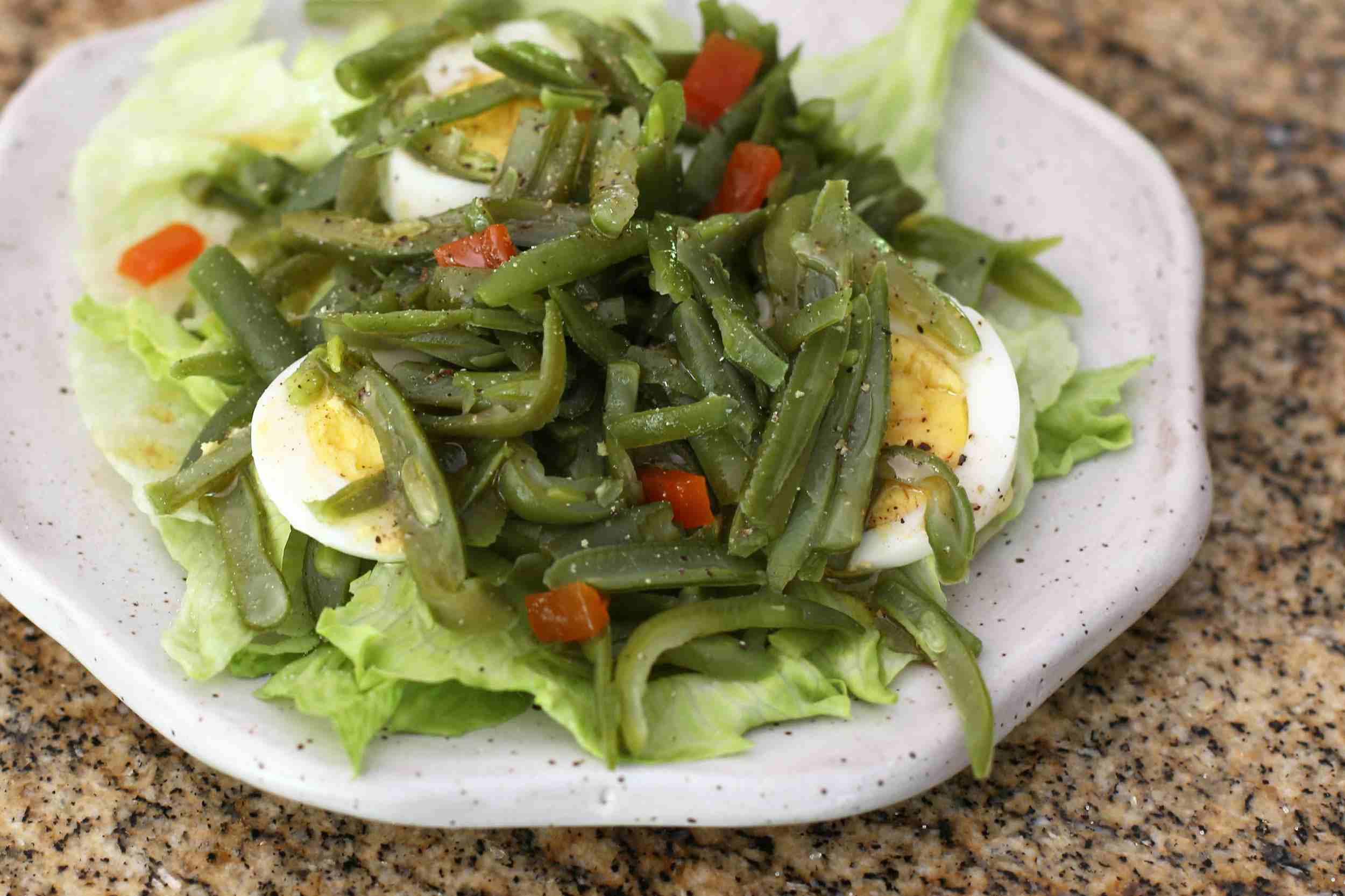 Салат из стручковой фасоли с яйцом: рецепты