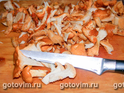 Курица с лисичками в сливочном соусе