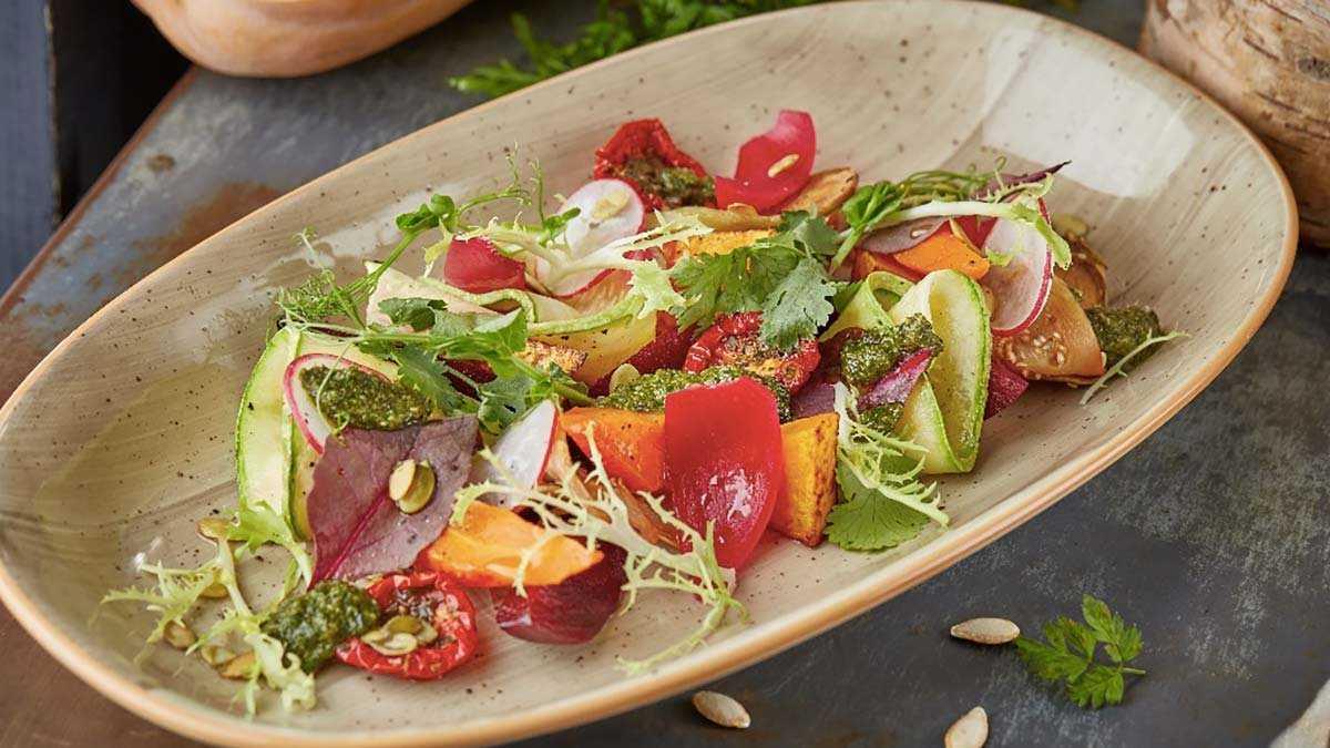 10 лучших салатов к летнему празднику