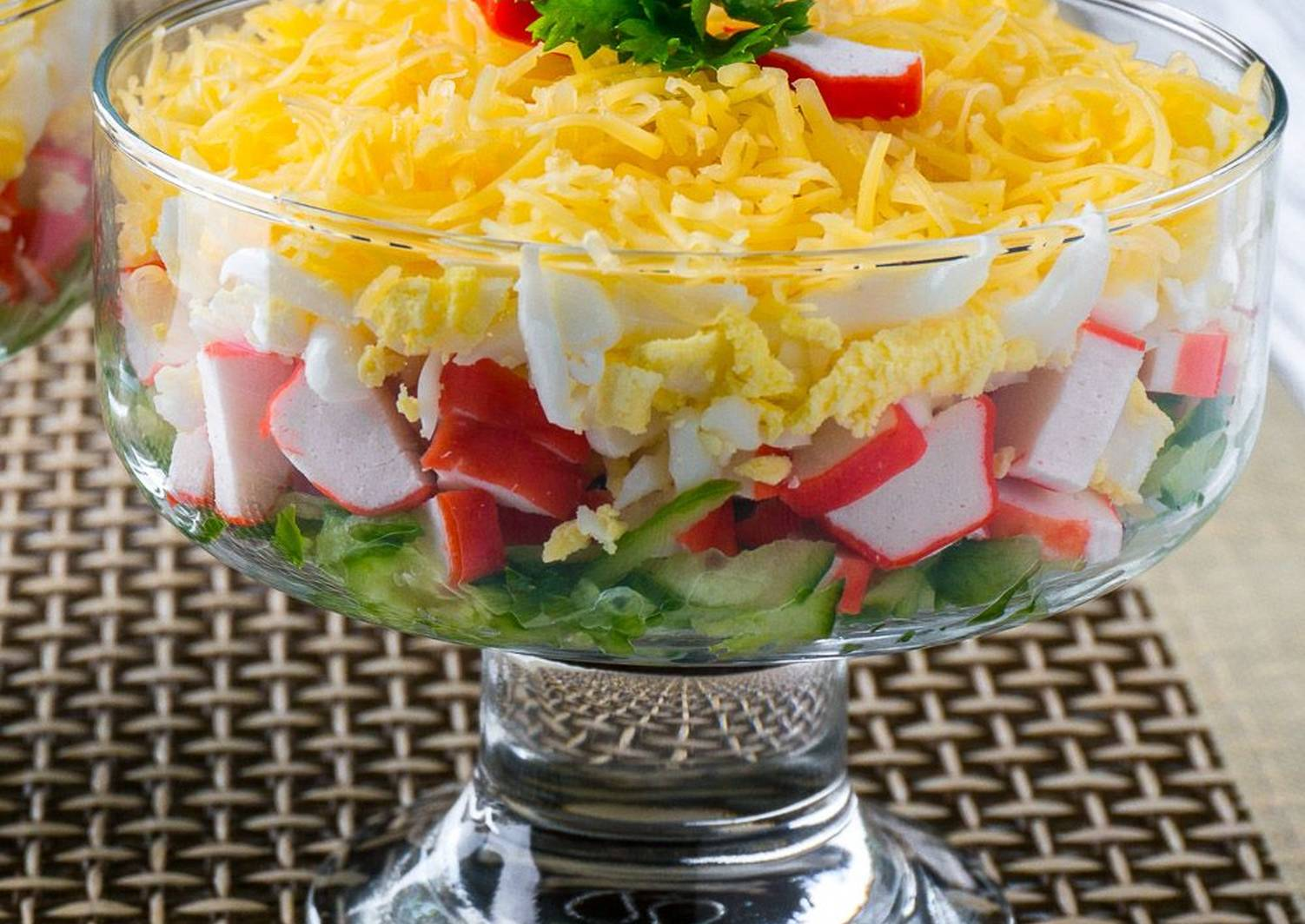 Классический крабовый салат с рисом
