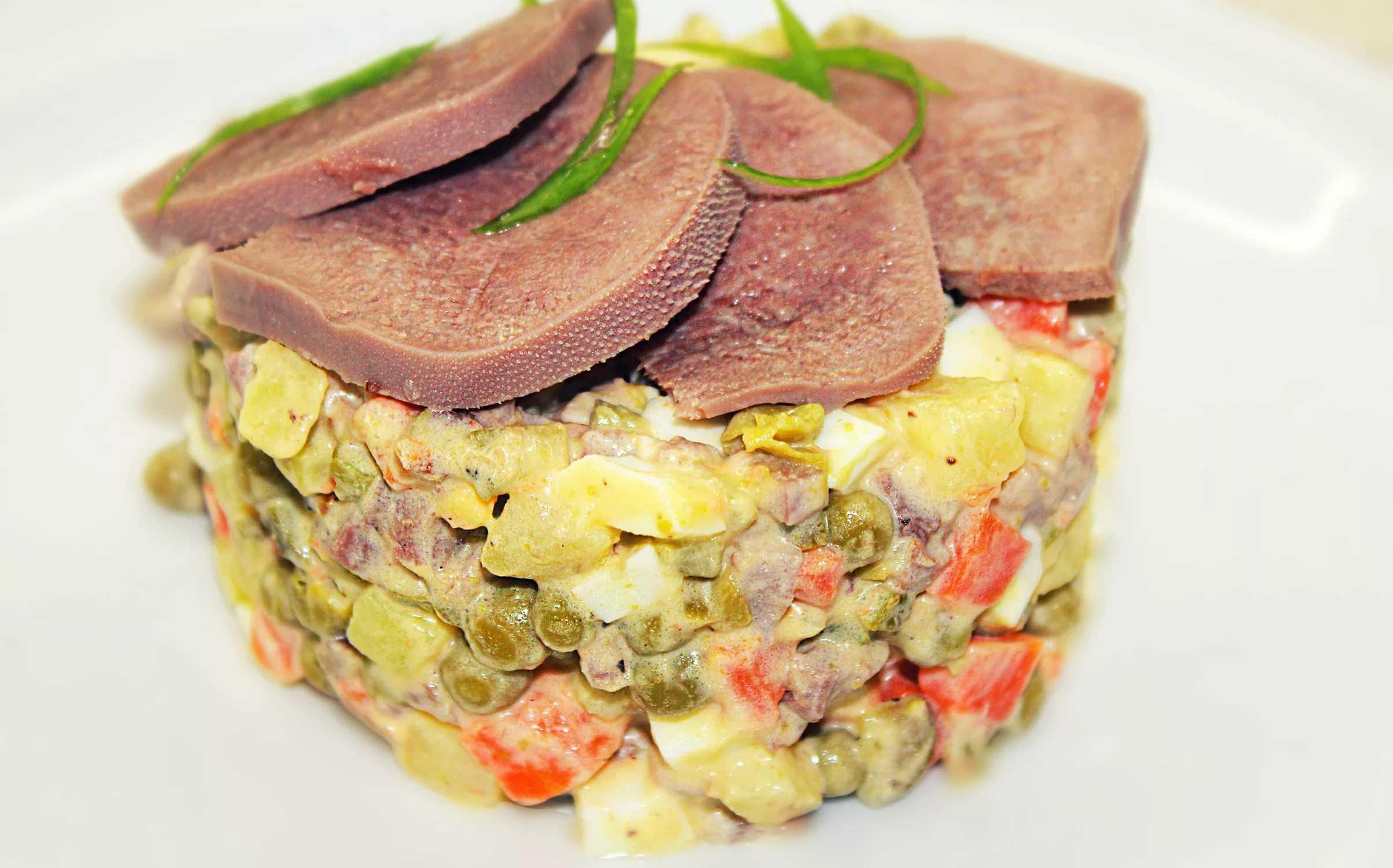 Как приготовить салат «дамский каприз» с языком