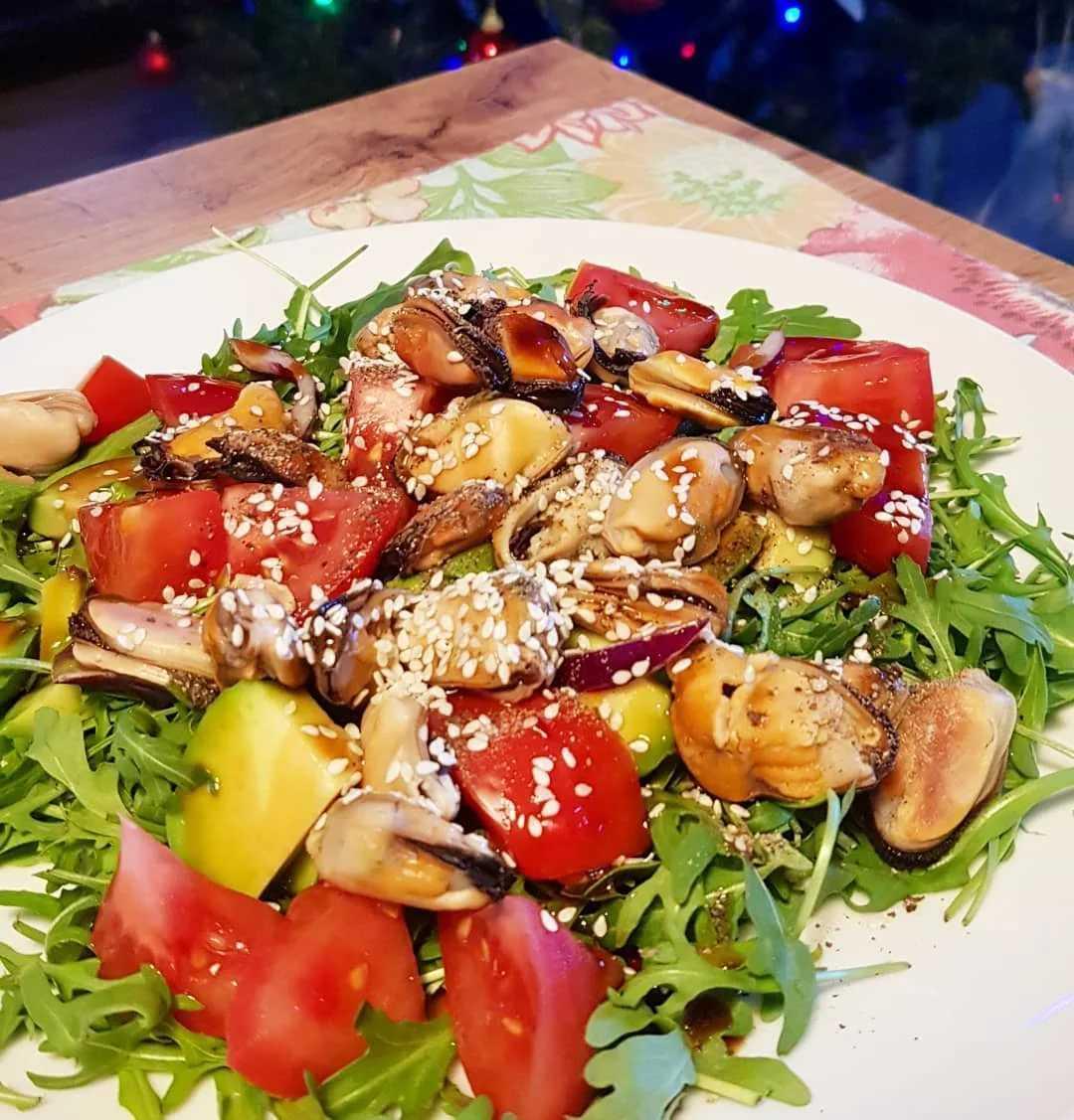Топ-10 лучших салатов с мидиями