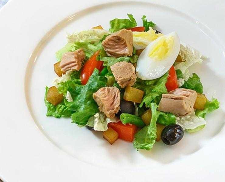 Салат нисуаз классический с тунцом: рецепт с фото пошагово