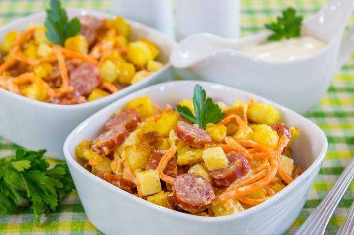 Салаты с колбасой и сыром, 31 рецепт, фото-рецепты / готовим.ру
