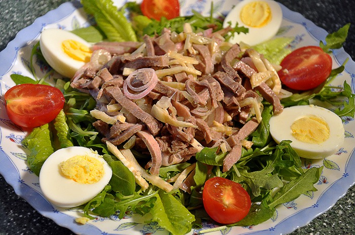 Салат дамский каприз с сердцем и ветчиной. салат «дамский каприз» с языком и ветчиной: рецепты