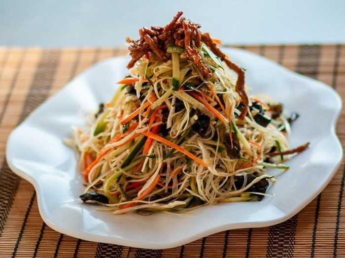 Вегетарианский салат фунчоза с различными овощами рецепт с фото - 1000.menu