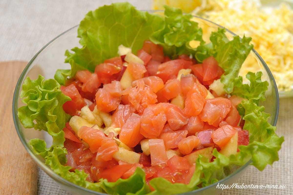 Салаты со слабосоленой форелью: рецепты с майонезом и без