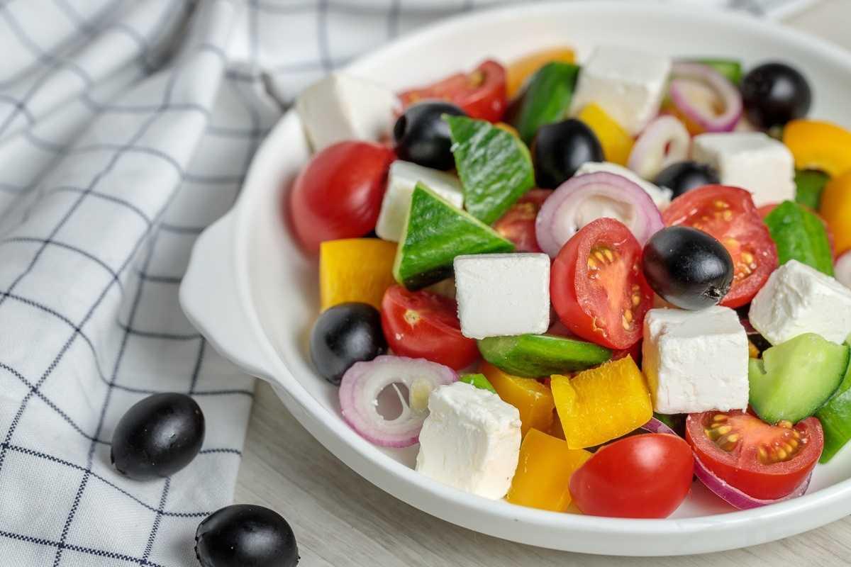 Салат греческий - 5 очень вкусных классических рецептов