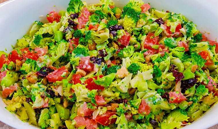 Готовим салат из брокколи с орехами и клюквой: поиск по ингредиентам, советы, отзывы, пошаговые фото, подсчет калорий, удобная печать, изменение порций, похожие рецепты
