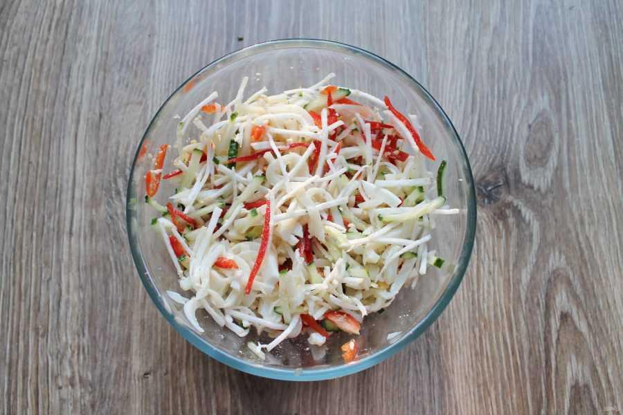 Салат из редьки дайкон с майонезом. самые вкусные рецепты салатов из редьки дайкон. салат из дайкона и моркови: рецепт