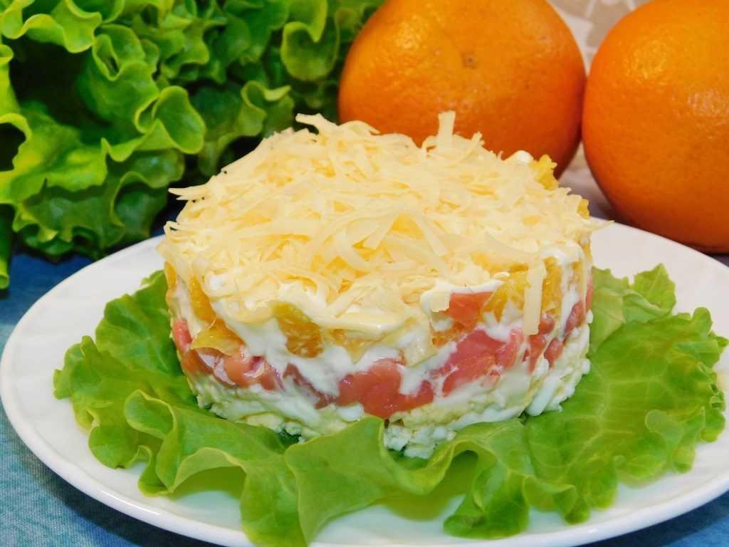 Салат с красной рыбой: 19 рецептов для праздничного стола
