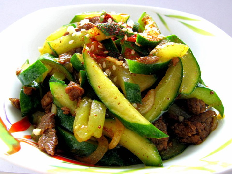 Огурцы с мясом по-корейски - вкусный рецепт с пошаговым фото