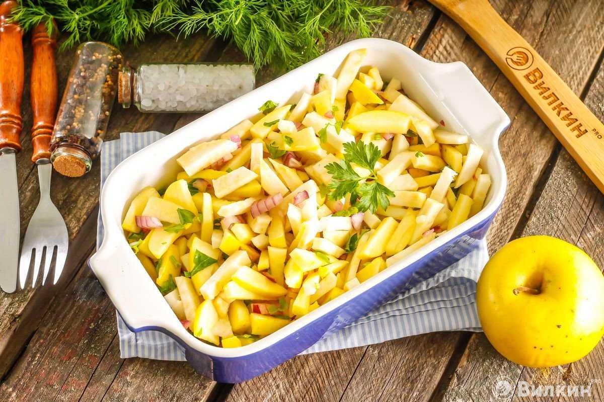 Салат с сельдереем и яблоком рецепт с фото пошагово и видео - 1000.menu