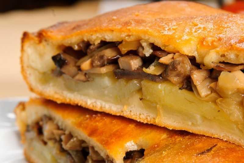 Пирог с грибами и картошкой - 12 рецептов приготовления пошагово - 1000.menu
