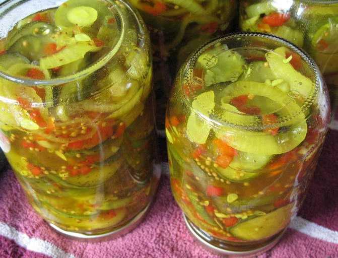Салат зимний с зелеными помидорами на зиму