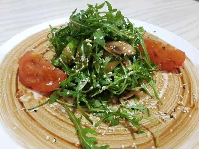 Рецепт: салаты с вешенками