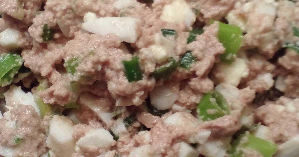 Классический салат с печенью трески - 10 очень вкусных и простых рецептов с фото пошагово