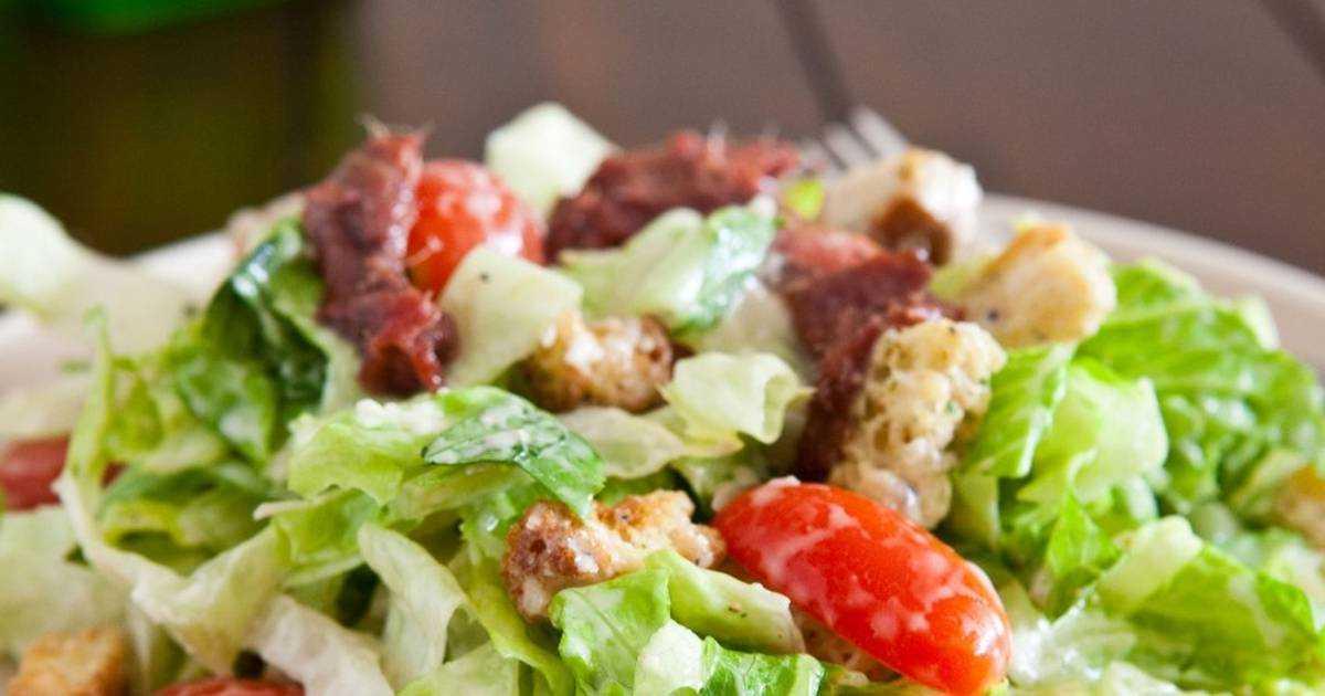 Салат цезарь с курицей и сухариками -пошаговый рецепт с фото
