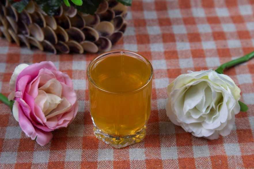 Ликер из алычи: 5 рецептов в домашних условиях