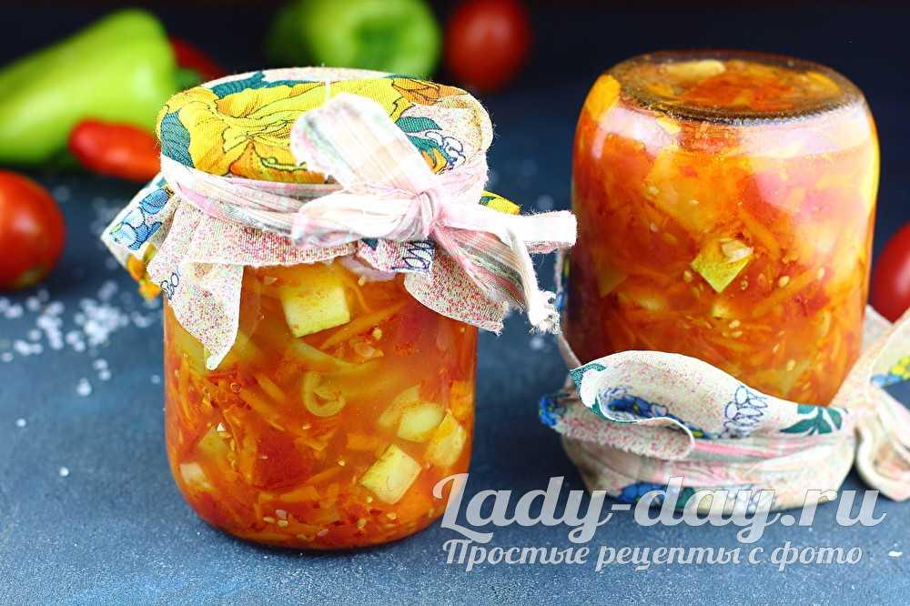 Описание разнообразных рецептов консервирования персиков в сиропе на зиму: целиком, половинками, дольками, со стерилизацией и без нее, с добавлением алкоголя.